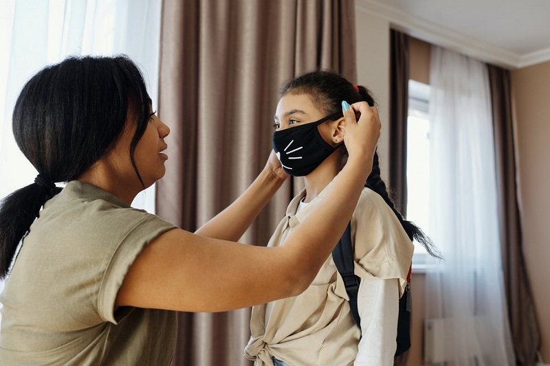Facemask for kids makes a meaningful Shopify product